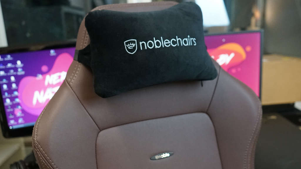noblechairs hero java edition kissen gaming