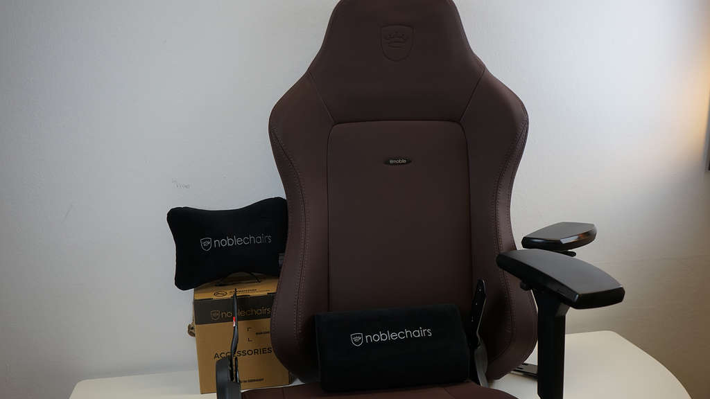 noblechairs hero java edition packung inhalt accessoires